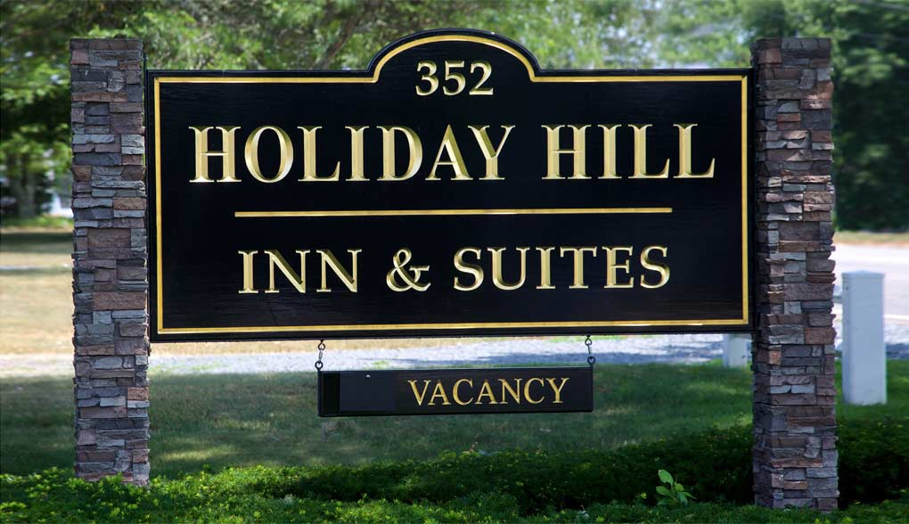 Holiday Hill Inn Sign