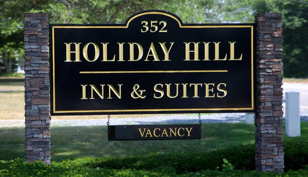Holiday Hill Inn Sign